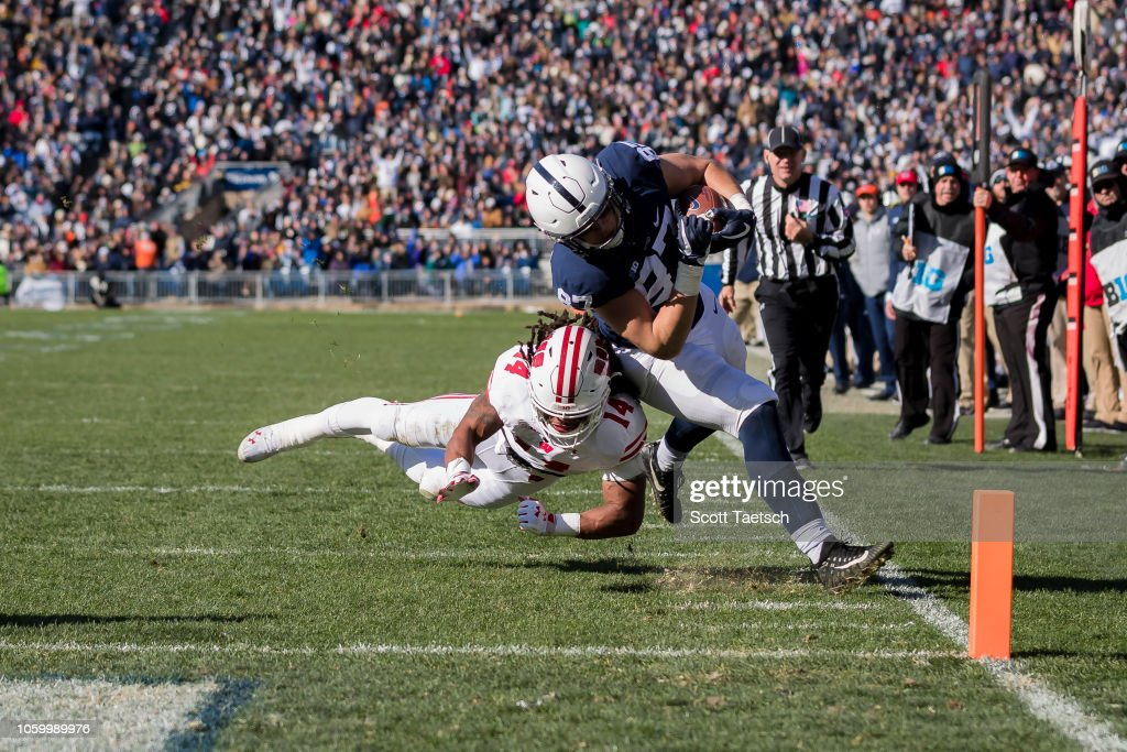 Wisconsin v Penn State : News Photo