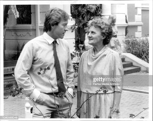 Pat Hamilton and Roddy Llewellyn at the Botanic Gardens November 15 1984