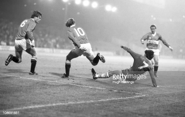 Pat Nevin of Chelsea makes a challenge during the Full Members Cup Southern 1st Round Group 1 match between Charlton Athletic and Chelsea held on...