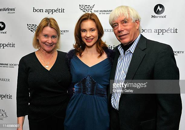 Pat Ragan actress Alexia Fast and Dr John Grandy attend the Bon Appetit Supper Club A Sealed Fate dinner at Skylodge on January 18 2009 in Park City...