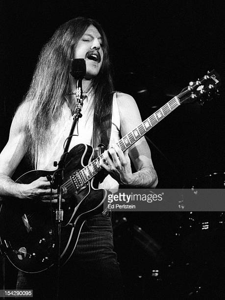 Pat Simmons of the Doobie Brothers performs live at the Oakland Coliseum on December 30, 1978 in Oakland, California.