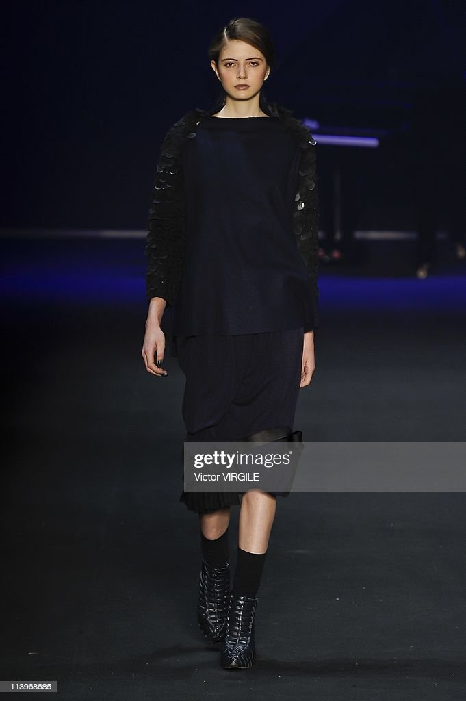 Patachou Runway - Fall/Winter 2011 Fashion Rio In Rio De Janeiro, Brazil On January 11, 2011- : News Photo