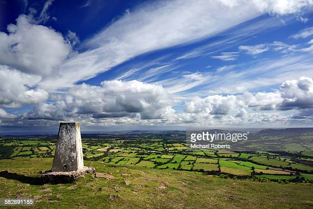 patchwork fields below the hatterall ridge - ridge stock pictures, royalty-free photos & images