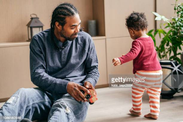 paternity leave - paternity leave stock pictures, royalty-free photos & images
