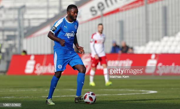 Paterson Chato Nguendong of Lotte runs with the ball during the 3. Liga match between FC Energie Cottbus and VfL Sportfreunde Lotte at Stadion der...