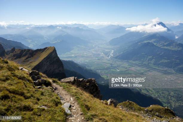 path above rhine - principality of liechtenstein stock pictures, royalty-free photos & images