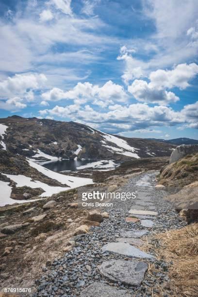 Path down to glacial lake