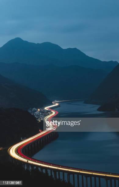 path of light - percorso foto e immagini stock