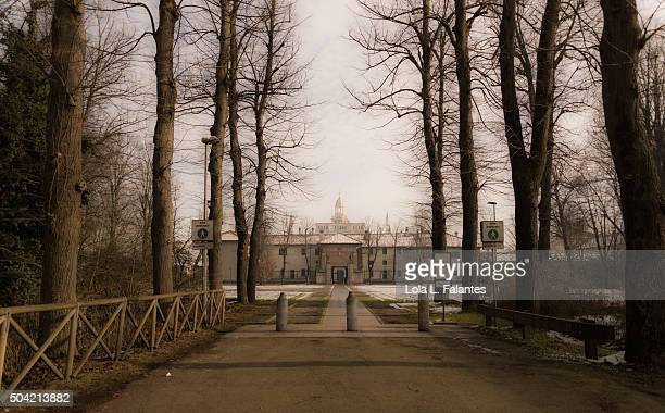 path to the chartreuse of pavia - lola lane stock pictures, royalty-free photos & images