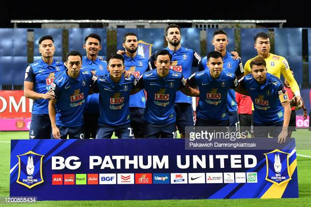 Pathum United players line up for the team photos prior to the Thai League 1 match between BG Pathum United and SCG Muangthong United at LEO Stadium...