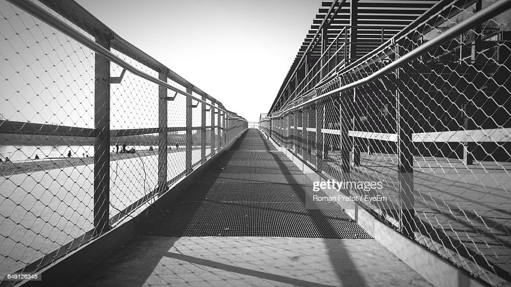 Pathway By River Against Sky On Sunny Day : Stock-Foto