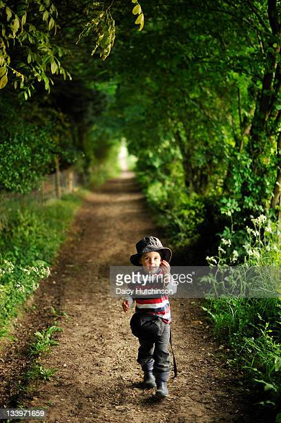 pathway - bucklebury stock pictures, royalty-free photos & images
