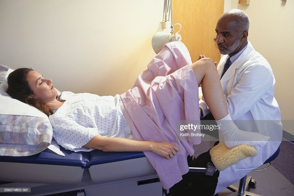 patient having gynaecological examination ストックフォト getty images