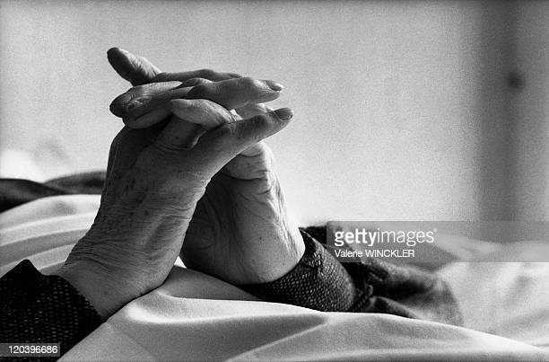 A patient's hands in a hospice in Versailles France in 1986 Hands of a patient at the ClaireDemeure hospital