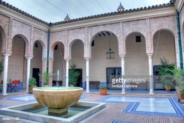 patio of the royal alcazar of carmona - sevilla - spain - carmona fotografías e imágenes de stock