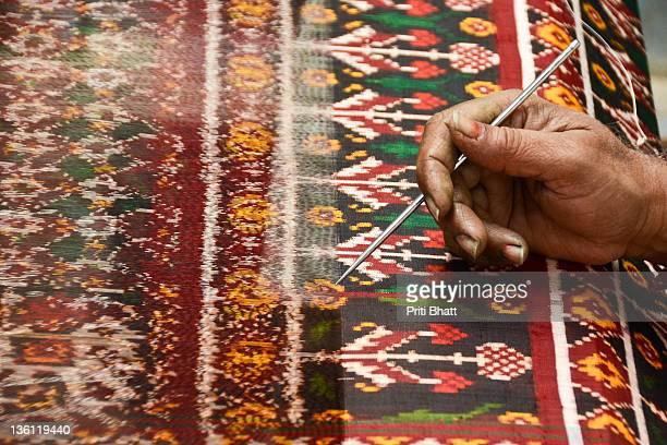 patola making of patan - sari stock pictures, royalty-free photos & images