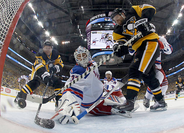 Patric Hornqvist of the Pittsburgh Penguins scores past Antti Raanta of...