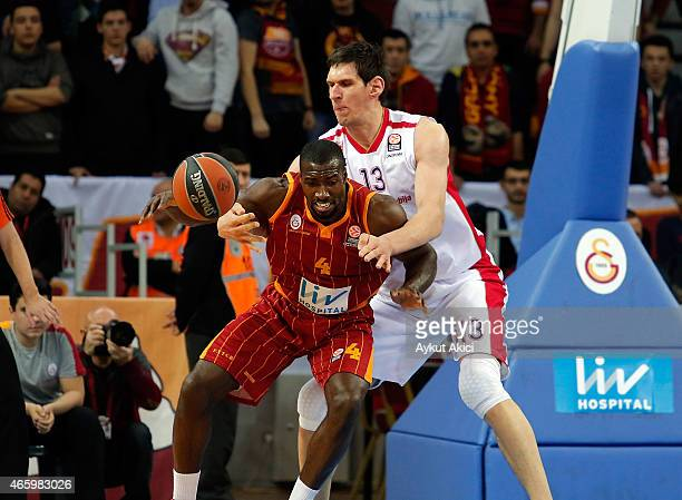 Patric Young, #4 of Galatasaray Liv Hospital Istanbul competes with Boban Marjanovic, #13 of Crvena Zvezda Telekom Belgrade during the Turkish...