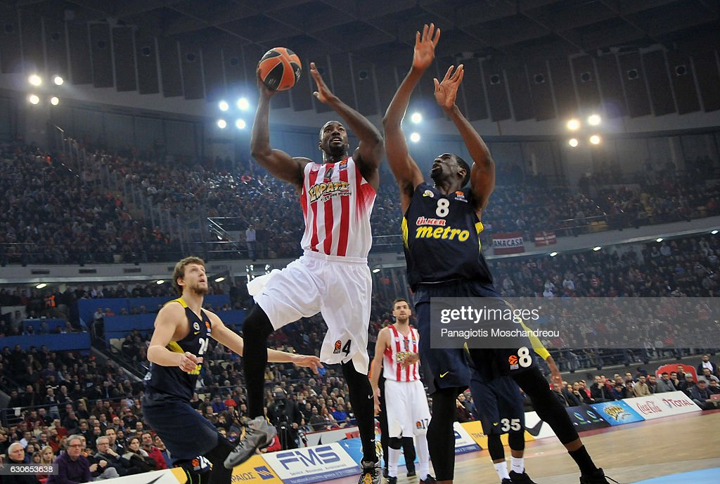 Olympiacos Piraeus v Fenerbahce Istanbul - Turkish Airlines Euroleague