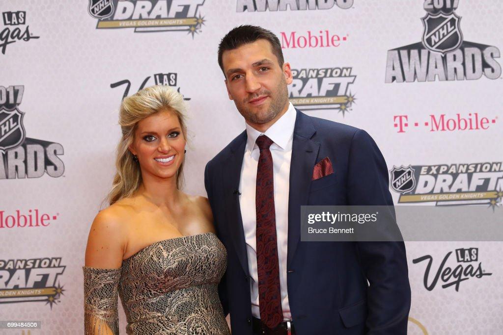 2017 NHL Awards - Arrivals : News Photo