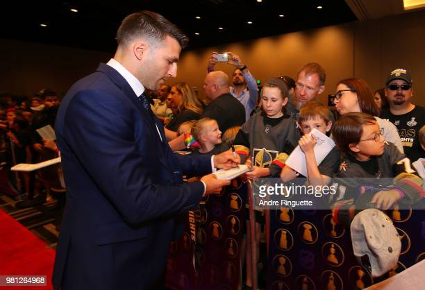 Patrice Bergeron of the Boston Bruins arrives at the 2018 NHL Awards presented by Hulu at the Hard Rock Hotel Casino on June 20 2018 in Las Vegas...