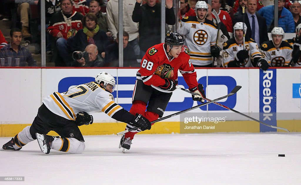 Boston Bruins v Chicago Blackhawks : News Photo