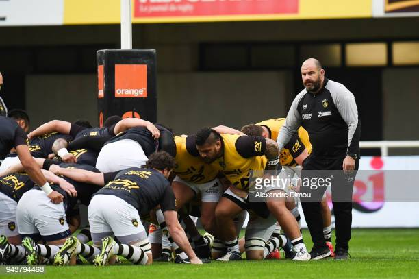 Patrice Collazo head coach and Team of La Rochelle during the French Top 14 match between Montpellier and La Rochelle at Altrad Stadium on April 8...
