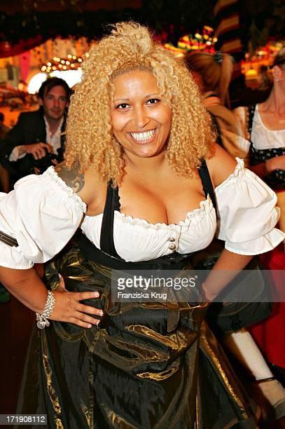 Patricia Blanco Beim Stammtisch Von 'Die Aktuelle' Im Hippodrom Beim Münchner Oktoberfest Am 180905