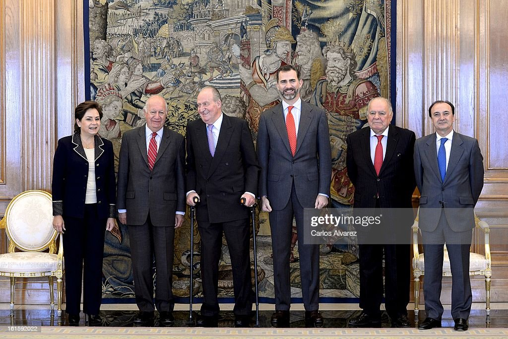 Patricia Espinosa Cantellano, former Chilean President Ricardo Lagos, King Juan Carlos of Spain, Prince Felipe of Spain, Enrique Iglesias and Jesus Manuel Gracia Aldaz pose for the photographers at Zarzuela Palace on February 12, 2013 in Madrid, Spain.