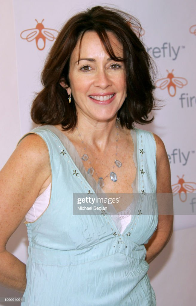 Firefly and Clothes Off Your Back Trick or Treat! Hosted by Jane Kaczmarek and Bradley Whitford : News Photo