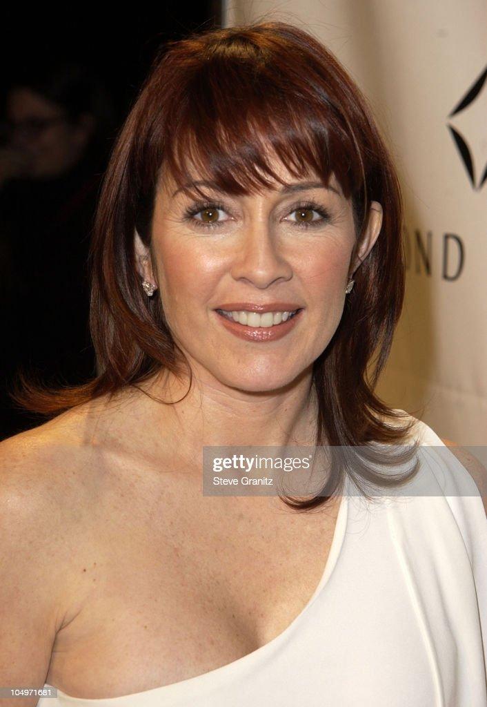 "Women's Wear Daily ""White Hot Diamonds"" Pre-Oscar Party - Arrivals : News Photo"