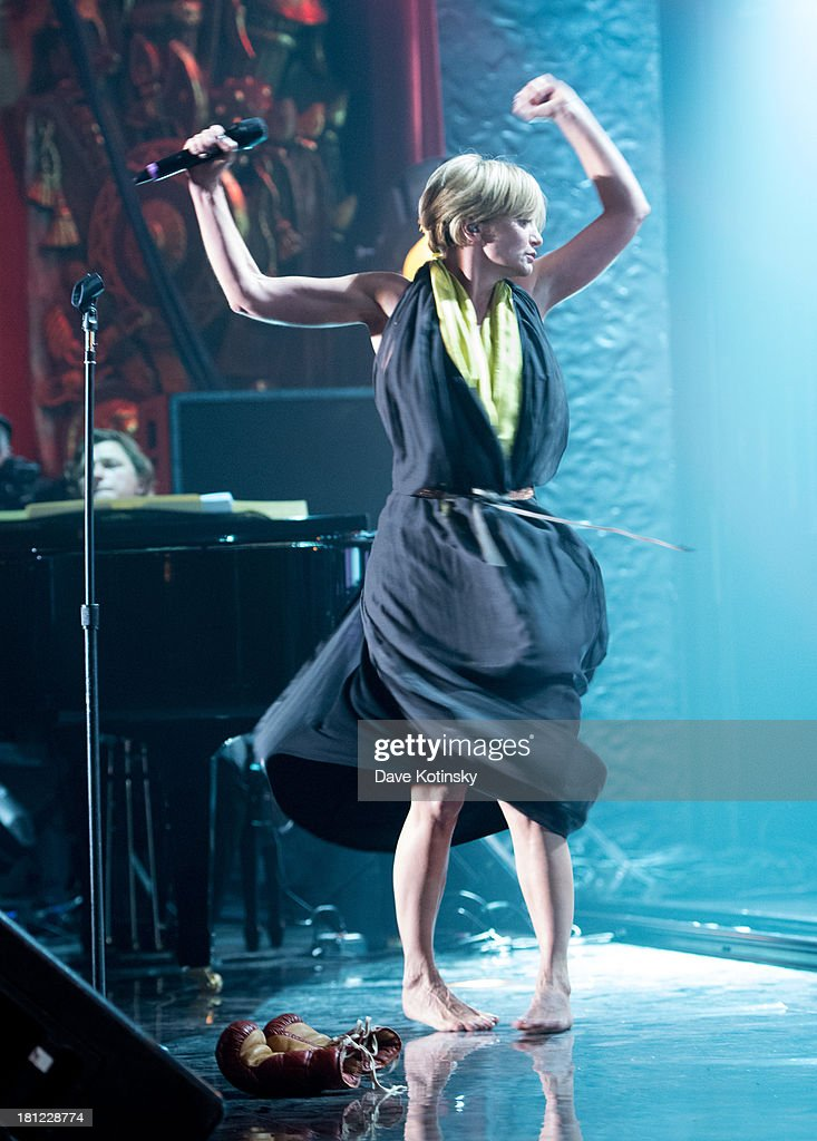 patricia kaas performs during francofolies new york a tribute to photo d 39 actualit getty. Black Bedroom Furniture Sets. Home Design Ideas