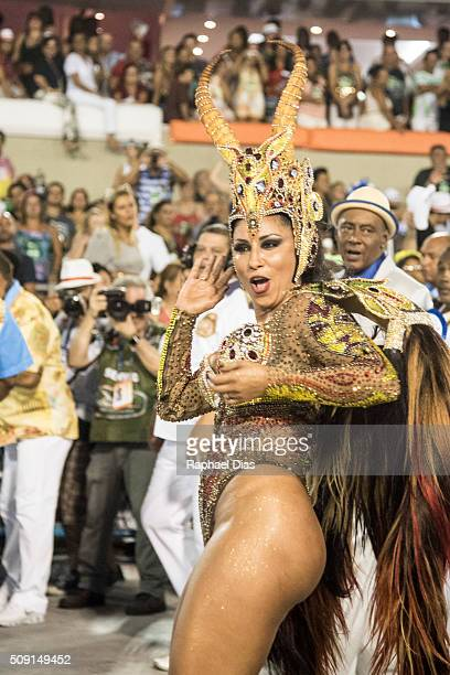 Patricia Nery attends to the Rio Carnival in Sambodromo on February 8 2016 in Rio de Janeiro Brazil Despite the Zika virus epidemic thousands of...