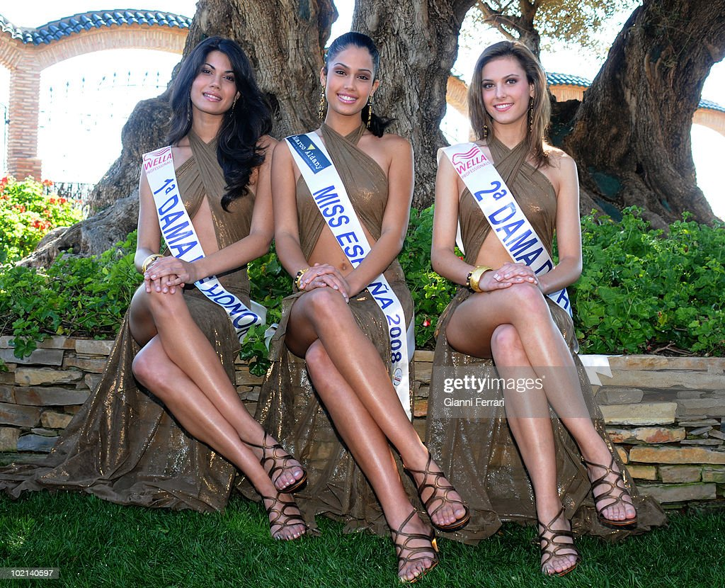 Patricia Rodriguez, Miss Spain 2008, with her two ladies of honor, Second March 2008, 'Grand Hotel Oasis', Cancun, Mexico.