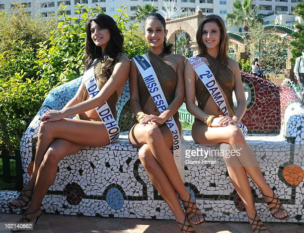 Patricia Rodriguez Miss Spain 2008 with her two ladies of honor Second March 2008 'Grand Hotel Oasis' Cancun Mexico