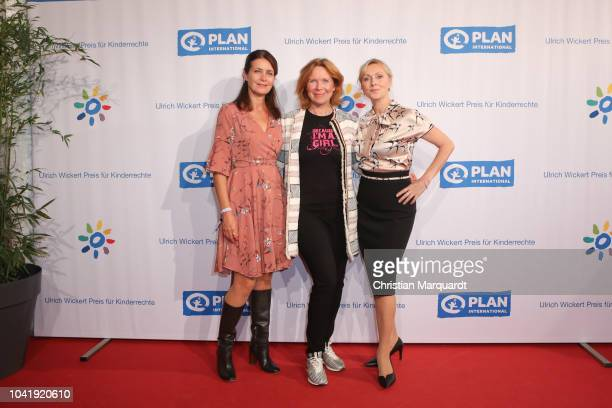 Patricia Schaefer Marion Kracht and Dana Golombek attend the Ulrich Wickert and Peter SchollLatour award at Bar jeder Vernunft on September 27 2018...