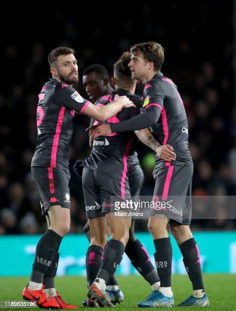 Patrick Bamford of Leeds United celebrates scoring the equalising goal with team mates during the Sky Bet Championship match between Fulham and Leeds...