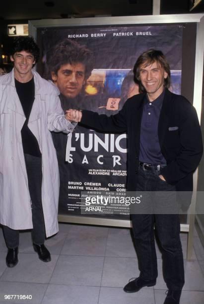 Patrick Bruel et Alexandre Arcady à la 1ère du film 'L'union sacré' le 14 mars 1989 à Paris France