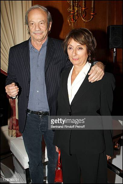 Patrick Chesnais and wife Josiane Stoleru at Presentation Of Buche De Noel Le Notre 2010 Created By Christian Lacroix At Pre Catelan At Paris
