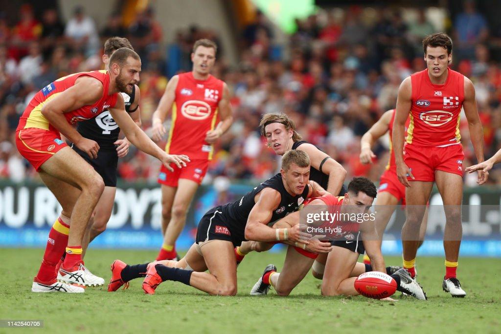 AFL Rd 4 - Gold Coast v Carlton : News Photo