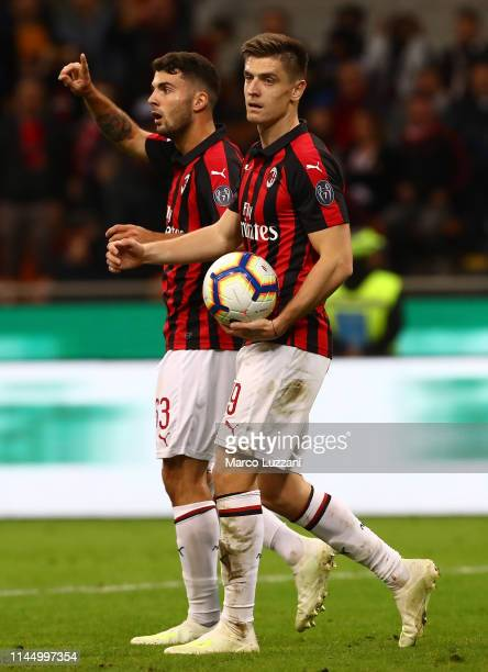 Patrick Cutrone and Krzysztof Piatek of AC Milan look on during the TIM Cup match between AC Milan and SS Lazio at Stadio Giuseppe Meazza on April...