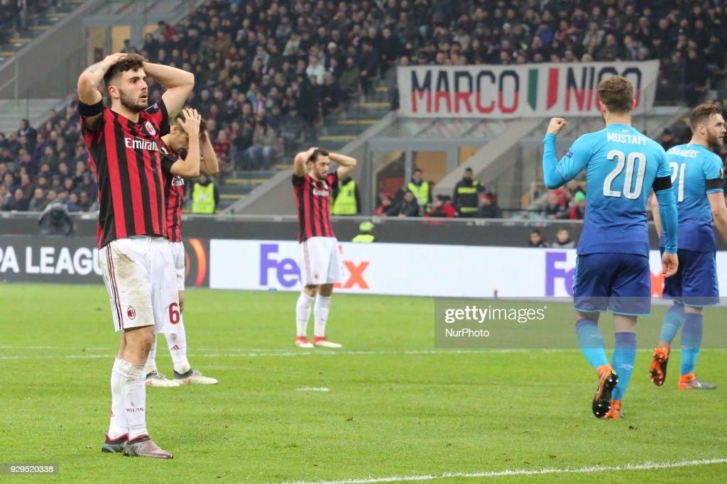 AC Milan v Arsenal - UEFA Europa League Round of 16: First Leg : News Photo