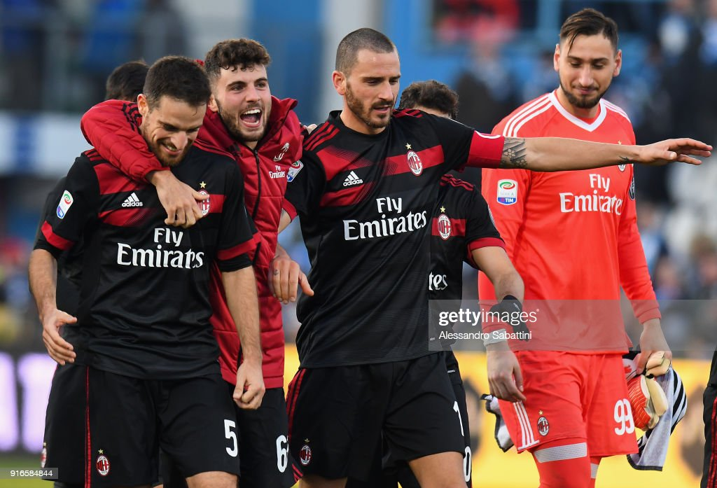 Patrick Cutrone of AC Milan ceebrates the victory with teams mate afte the serie A match between Spal and AC Milan at Stadio Paolo Mazza on February 10, 2018 in Ferrara, Italy.