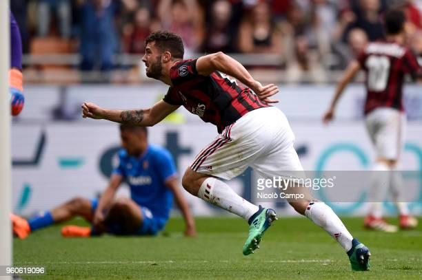 Patrick Cutrone of AC Milan celebrates after scoring a goal during the Serie A football match between AC Milan and ACF Fiorentina AC Milan won 51...