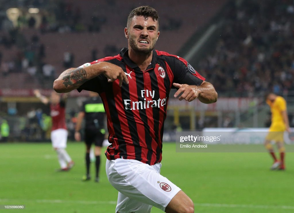 Patrick Cutrone of AC Milan celebrates after scoring the winning goal during the serie A match between AC Milan and AS Roma at Stadio Giuseppe Meazza on August 31, 2018 in Milan, Italy.