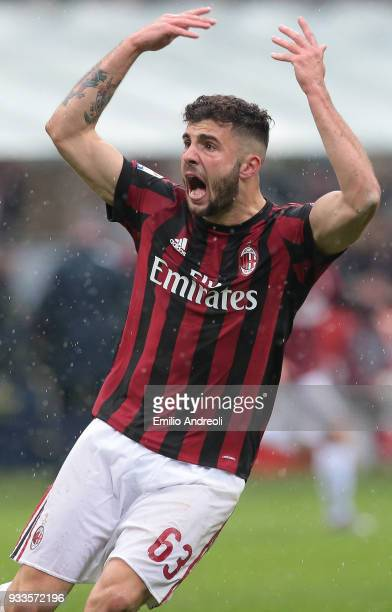 Patrick Cutrone of AC Milan celebrates his goal during the serie A match between AC Milan and AC Chievo Verona at Stadio Giuseppe Meazza on March 18...