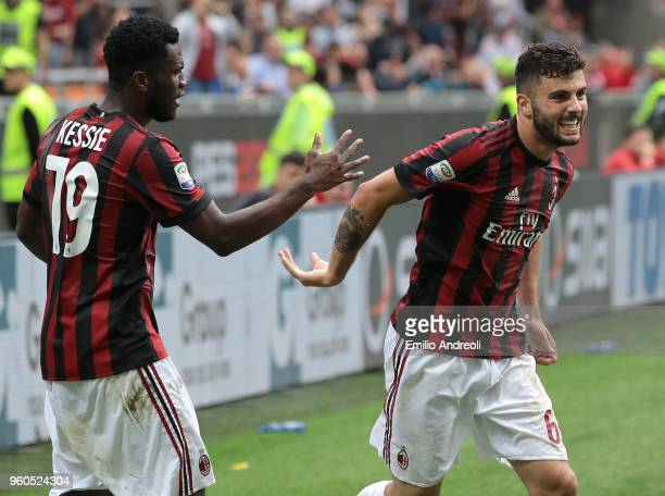 Patrick Cutrone of AC Milan celebrates his goal with his teammate Franck Kessie during the serie A match between AC Milan and ACF Fiorentina at...
