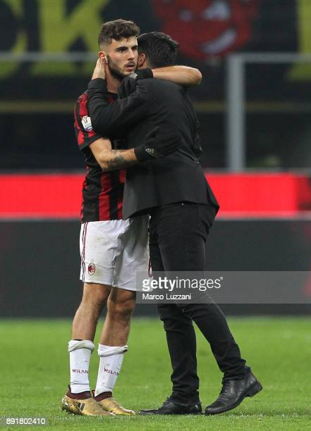 Patrick Cutrone of AC Milan embraces AC Milan coach Gennaro Gattuso at the end of the Tim Cup match between AC Milan and Hellas Verona FC at Stadio...