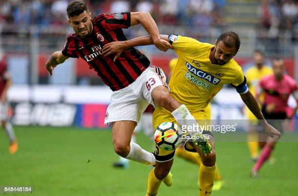 Patrick Cutrone of AC Milan in action during the Serie A match between AC Milan and Udinese Calcio at Stadio Giuseppe Meazza on September 17 2017 in...