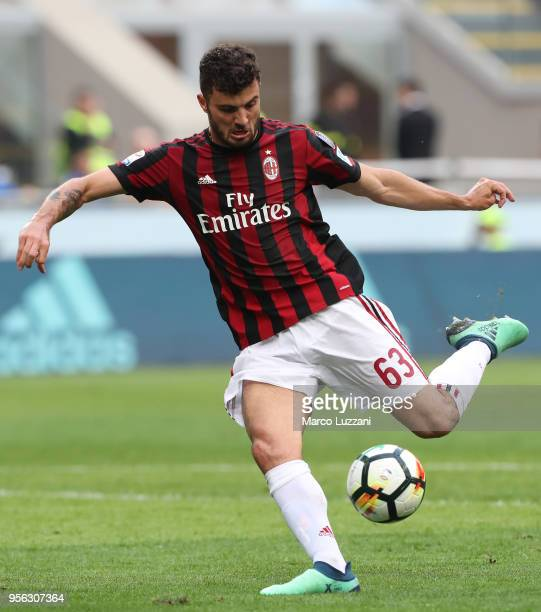 Patrick Cutrone of AC Milan in action during the serie A match between AC Milan and Hellas Verona FC at Stadio Giuseppe Meazza on May 5 2018 in Milan...